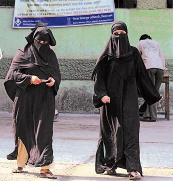 """Talking to reporters, Zafaryab Jilani claimed, """"Ninety per cent Muslim women support the Sharia Law."""""""