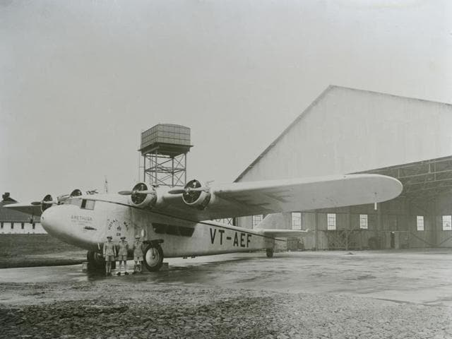 A Prototype Atalanta, built in 1931, served as the VT-AEF with the Indian Transcontinental Airways, which ceased operations in 1948.