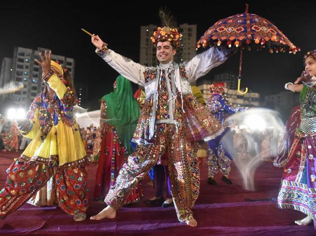 Organisers have been distributing daily prizes for the best-dressed dancer, best daily performer, best dancing couple and most stylish dancer.