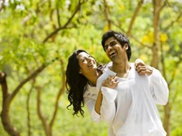 Having a happy significant other can make you healthier, finds a recent study.