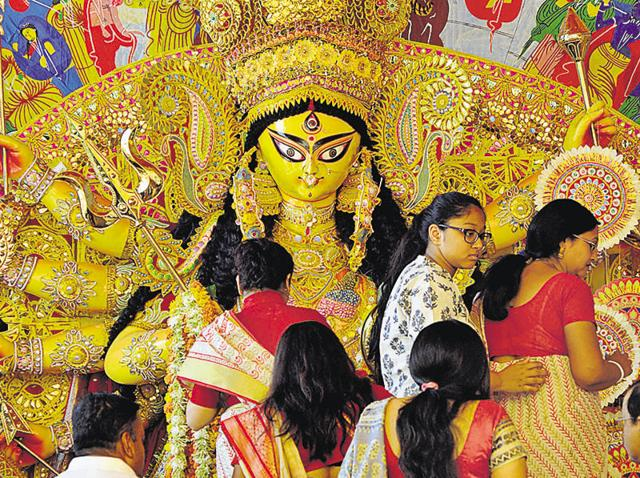 Residents took part in the last rounds of prayers and rituals before the immersion of Goddess Durga's idols.