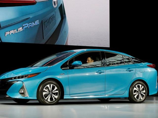 Toyota,Prius hybrids recalled,Prius