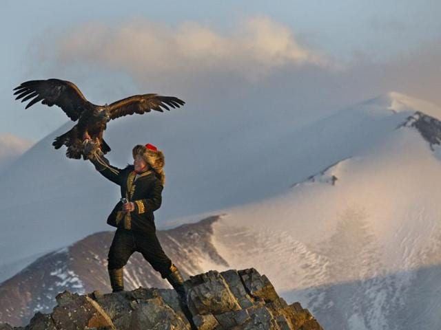 The Eagle Huntress has been directed by the renowned British director Otto Bell.