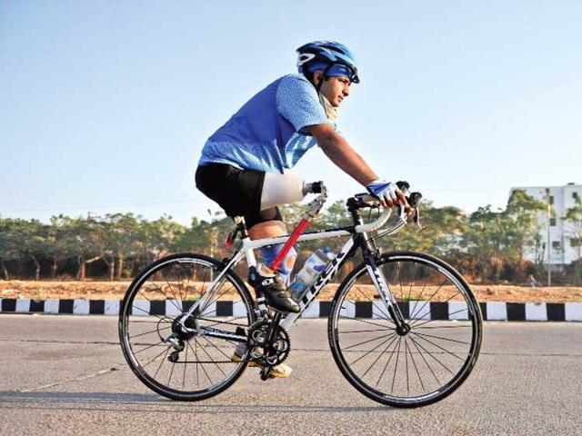 Two-time para-cycling Asian medallist,Aditya Mehta,para-athlete forced to take off prosthesis