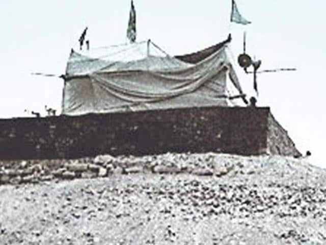 The makeshift Ram temple in Ayodhya.(HT File Photo)