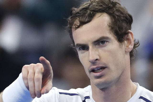 Murray was annoyed that TV cameras zoomed into his bag to reveal handwritten tactical pointers during the China Open final.