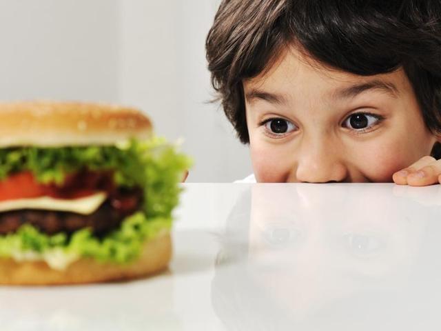 Sleep-deprived kids,Sleep-deprived,kids eat more when