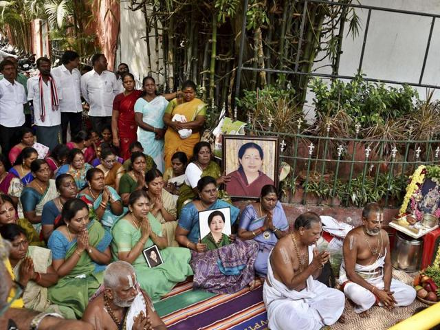 AIADMK workers have been praying for speedy recovery of party supremo and Tamil Nadu chief minister J Jayalalithaa who is in the hospital since September 22.