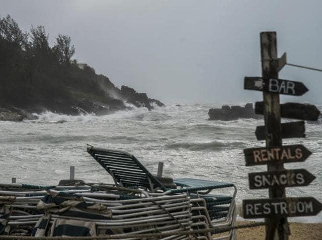 Hurricane Nicole,Bermuda,Natural disasters