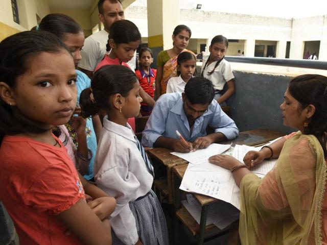 Some teachers say that due to lack of time it is difficult for them to prepare exam results before Saturday.