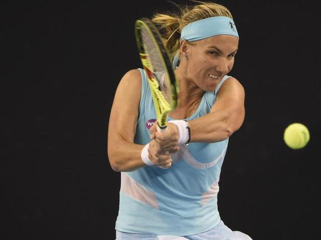 In the semi-finals, Kuznetsova will tale on American Alison Riske.