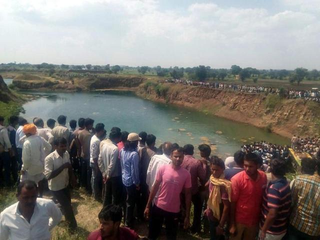 Rescue operations in progress at the site of accident near Namli village in Ratlam district.