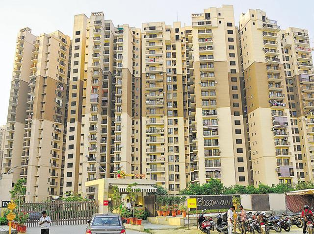 Noida's Logix group issues notices to Blossom County flat