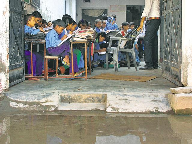 Moti Nagar,govt primary school,students