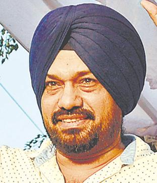 Waraich said Congress MLAs were allowed to sit on dharna outside chief minister Parkash Singh Badal's official residence even as there was a complete ban on assembly of people under Section 144 of the CrPC there.