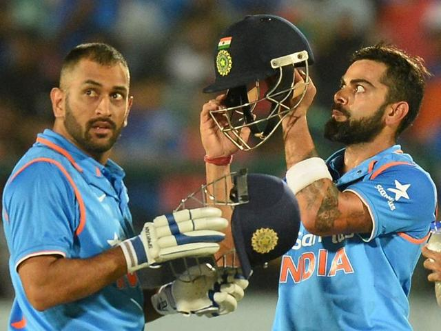 A mix-up with Virat Kohli led to Dhoni being run out for 21.