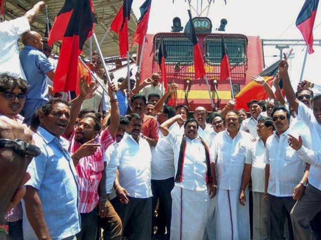 DMK members staging a protest to condemn attacks on Tamils and against property damage in Karnataka over the Cauvery water issue, in Puducherry inSeptember.  Opposition parties, led by the DMK, have again started an agitation blaming the central government for its 'anti-Tamil Nadu' stand.