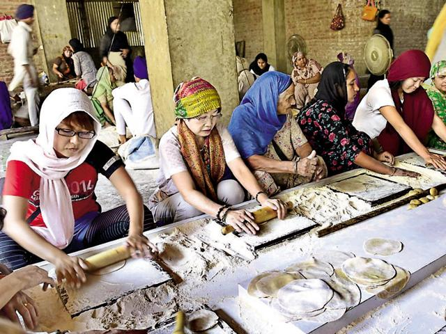 Besides extending langar halls and cooking area, the Shiromani Gurdwara Parbandhak Committee is procuring 'smart' equipment to expedite the working of the community kitchen and serve more devotees and underprivileged people at the Golden Temple in Amritsar.