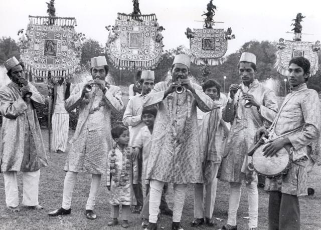 Picture from the past: A shehnai procession during Phool Waloon Ki Sair.