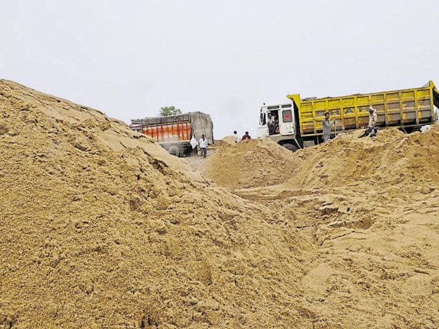 The police seized a tractor used to illegally excavate sand in the Sanjay Dubri National Park.