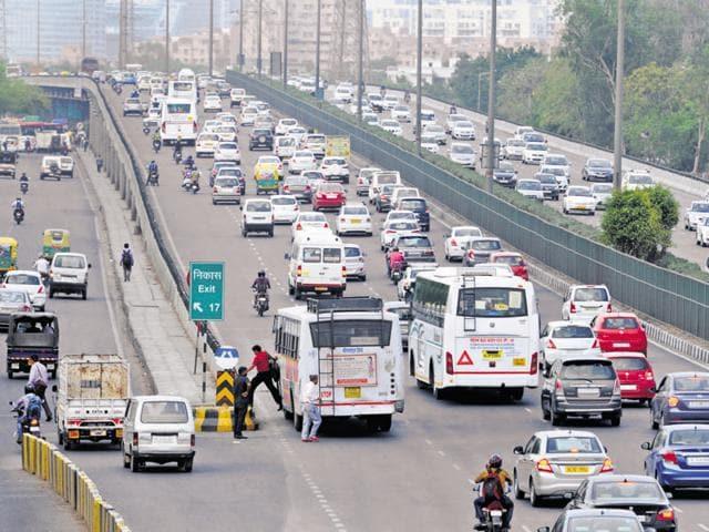 Gurgaon,kherki daula toll plaza,delhi-gurgaon expressway