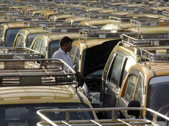 An app launched by the union of black-and-yellow taxis has been discontinued due to lack of response(HT File Photo)