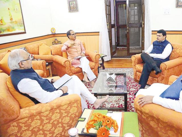 Chouhan, Fadnavis, Das and Sahastrabudhe during the Gareeb Kalyan meet in Bhopal on Monday.