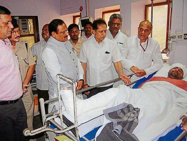 Ministers Bhoopendra Singh (second from left) and Gauri Shankar Bisen (extreme right) at the hospital in Jabalpur.