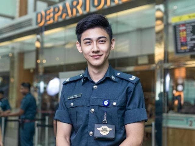Hot security officer,Singapore,Changi Airport
