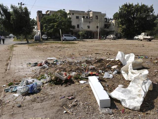 At some residential areas in Sector 45, garbage is strewn around.