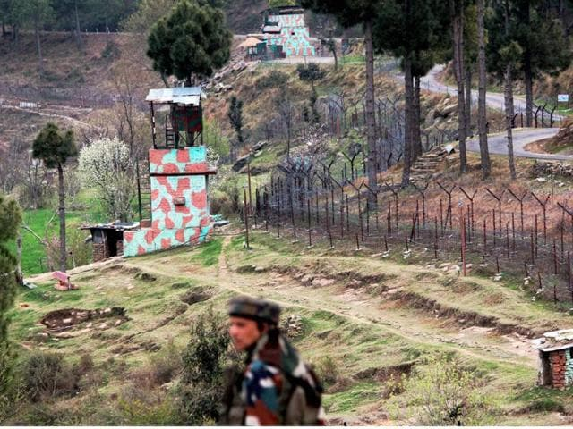 This was the 30th ceasefire violation by Pakistani troops along the LoC in Jammu and Kashmir since the Indian army carried out surgical strikes in PoK to destroy terror launching pads.