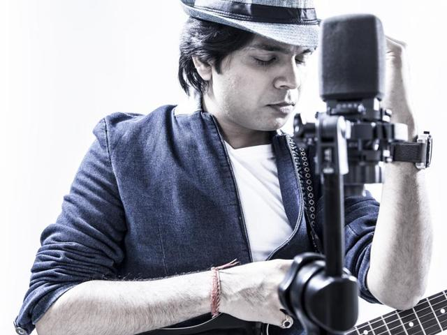 Musician Ankit Tiwari feels that actors don't sing to become professional singers.