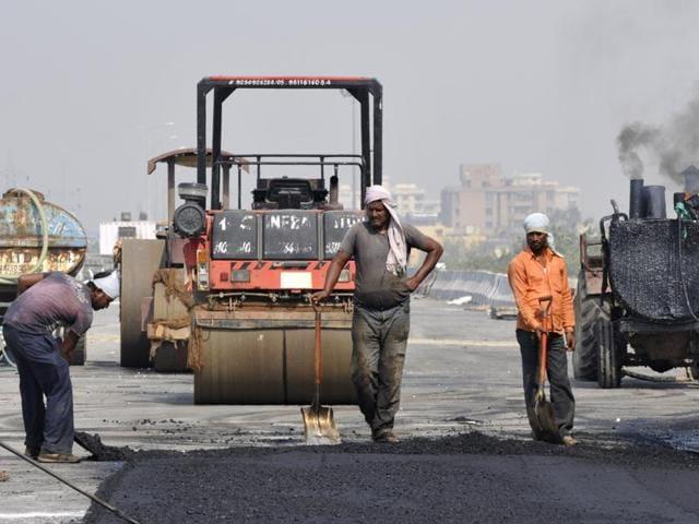 Akhilesh Yadav,Noida authority,infrastructure