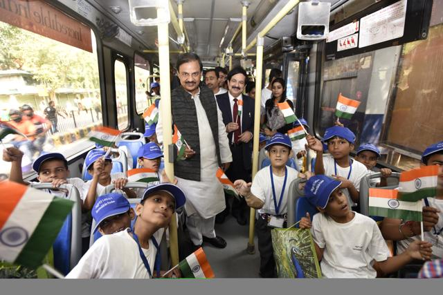 Union minister for culture Mahesh Sharma with school students on the occasion of World Tourism Day, New Delhi, September 27