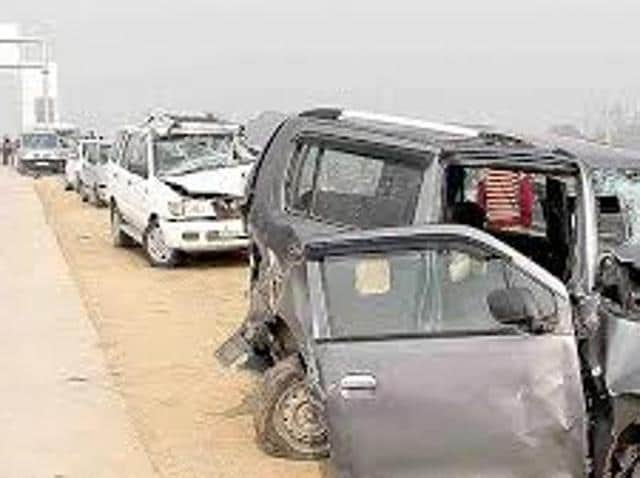 From trucks with no tail lights, parking on highways, driving on wrong side to police extortion, accidents are just waiting to happen on speedways, be on state highways or national highways.