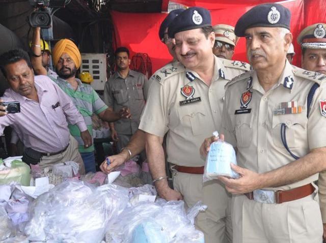 drugs,disposal,DGP Suresh Arora