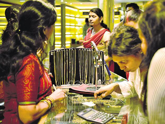 India's gems and jewellery industry wants the Goods and Services Tax (GST) on finished jewellery to be capped at 1.25%. It also demanded there be no GST on raw, cut and polished diamonds and coloured gem stones since most of these are exported.