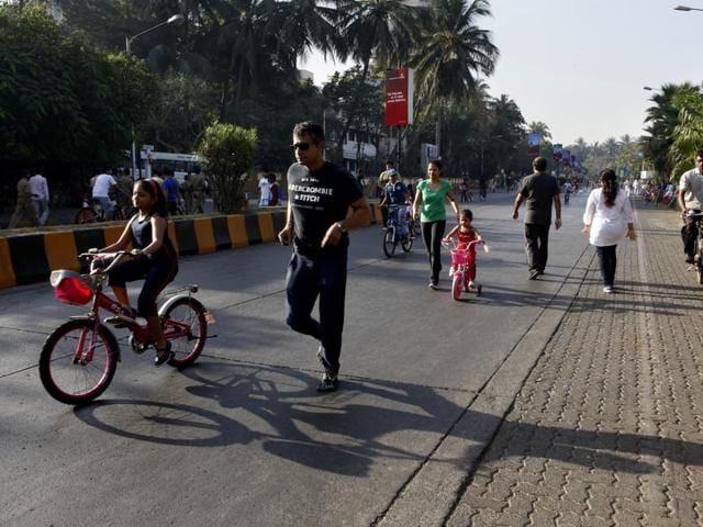 According to the plan designed by an NGO Bandra Collective, the 2.5-meter wide track will run from the Otter's Club to Café Coffee Day. As it is a pilot project, the BMC will place curb stones or bollards to separate the cycling track from the main road.