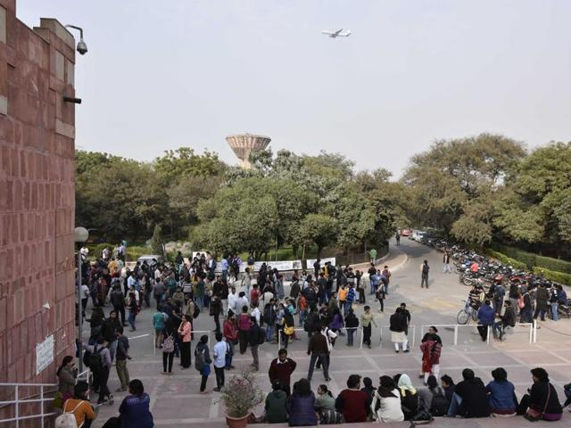 JNU,Protesting students,V-C detained