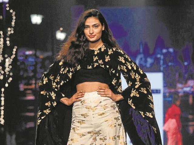 Masaba Gupta,sari blouse,dhoti pants
