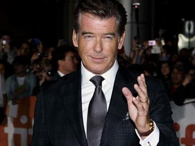 Twitter trolled Pierce Brosnan for the second time this month after the actor apologised for endorsing pan masala.