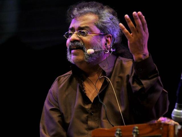 Hariharan performs during a tribute event to ghazal singer Padmabhushan Jagjit Singh in Mumbai on July 17, 2015.