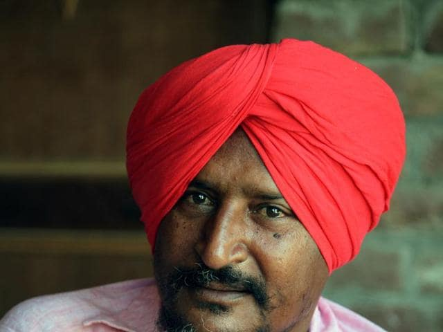 Bant Singh, left-wing activist and singer who is carrying forward the legacy of the songs of Punjab's revolutionary poet Sant Ram Udasi