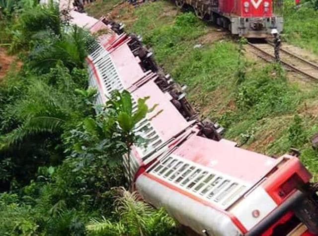Cameroon train wreck,Cameroon casualties,Cameroon train accident