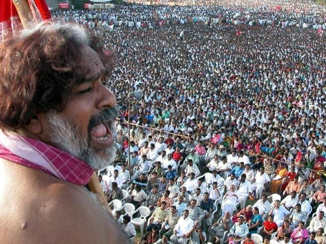 Gaddar played a very pro-active role in spearheading the movement for separate Telangana state in different stages through his songs.