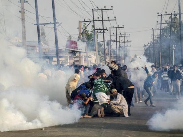 Violence in Kashmir erupted following the killing of Hizbul commander Burhan Wani on July 8.(AP Photo)