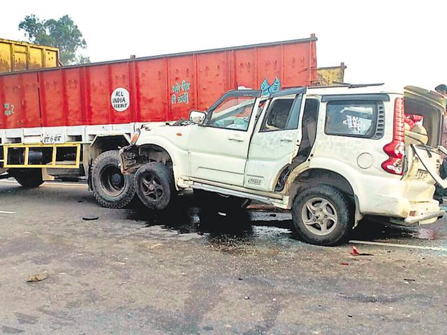Three killed,Doraha,SUV rams into truck