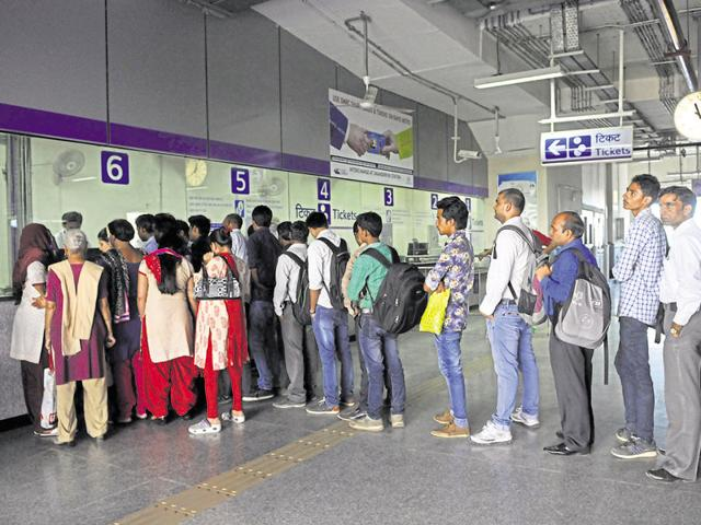 The panel has said that the minimum fare should be revised from Rs8 to Rs10, and the maximum from Rs30 to Rs50.