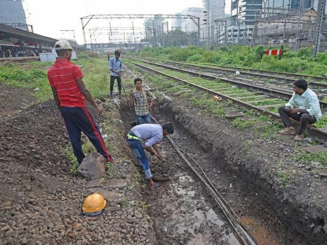 Central Railway starts platform construction work at Parel