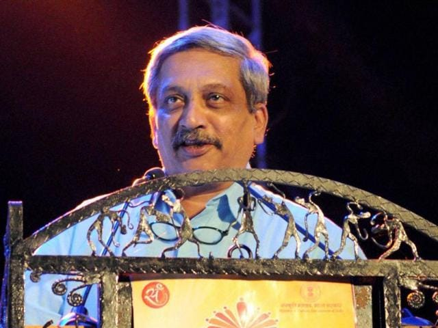 Defence minister Manohar Parrikar on Sunday 'advised' French firm SAFRAN to set up a facility in his home state of Goa.